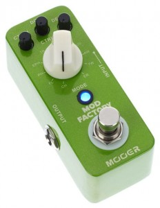 Mini Multiefekt Mooer Mod Factory Multi-Modulation Pedal MME 1